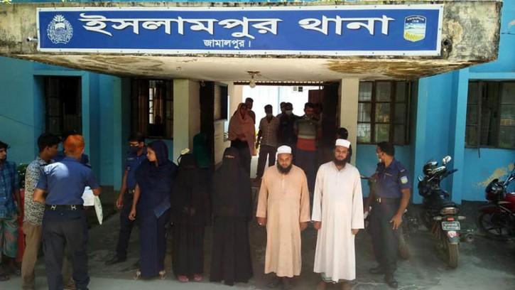 ইসলামপুরে তাক্বওয়া কওমী মাদরাসার তিন শিক্ষার্থী ৪ দিন ধরে নিখোঁজ ৪ শিক্ষক আটক