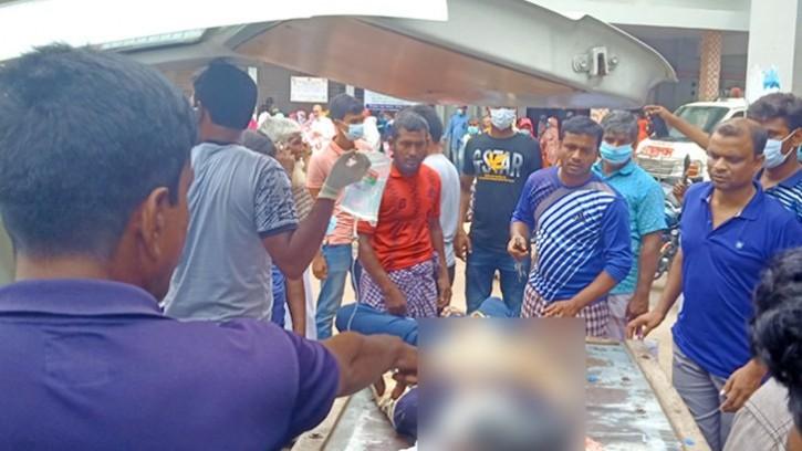চাঁপাইনবাবগঞ্জে ট্রাকচাপায় অটোরিকশার ২ যাত্রী নিহত
