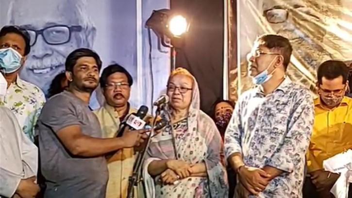 কান্নায় ভেঙে পড়লেন শোকে মুহ্যমান লাকি ইনাম