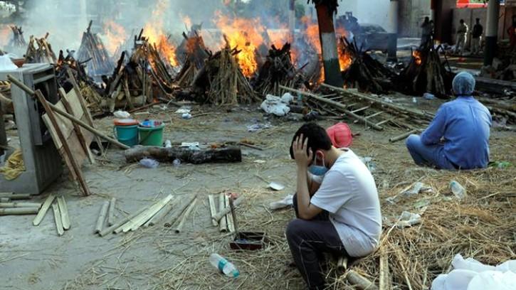 ভারতে করোনায় ফের তিন শতাধিক মৃত্যু